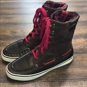 Sperry Hikerfish Boots - Brown and Red Plaid
